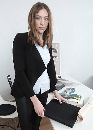 Hot Secretary Porn Pictures
