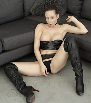 Hot High Heels Porn Pictures