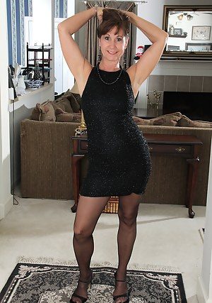 Hot Mature Porn Pictures