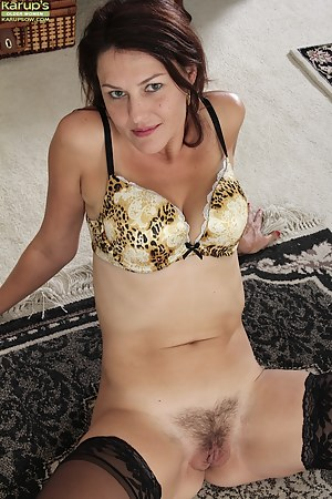 Hot Mom Porn Pictures