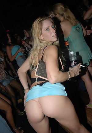 Hot Upskirt Porn Pictures
