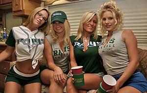 Hot Cheerleader Porn Pictures